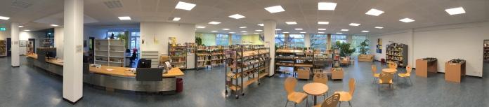 Die Stadtteilbibliothek ist im Schulgebäude untergebracht.