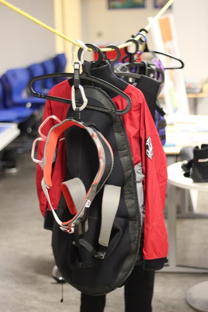Ausrüstung für die Teilnehmer des WU Kanu,