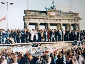 Zeitgeschichte: Der Fall der Berliner Mauer